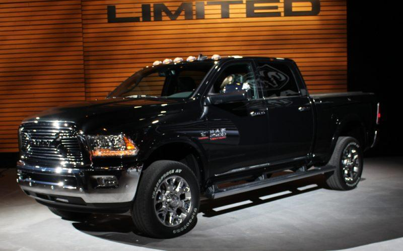 ram 2500 laramie 2016 ser vendida no brasil carro lindo. Black Bedroom Furniture Sets. Home Design Ideas